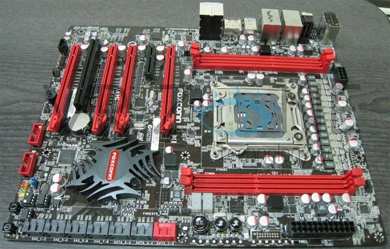Фотографии переработанной платы Foxconn Quantum Force на Intel X79