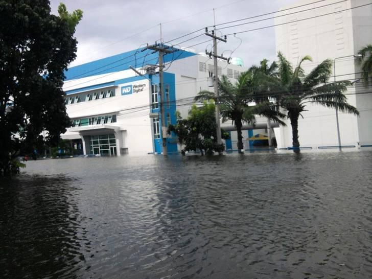 Наводнение в Тайланде жесткие диски
