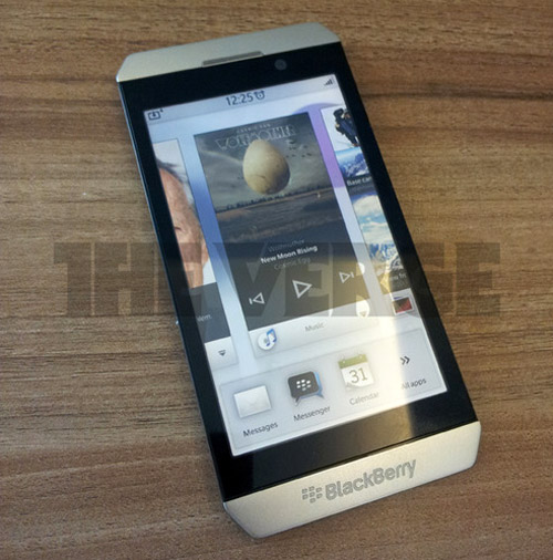 RIM задерживает запуск смартфона с BlackBerry 10 на конец 2012 года