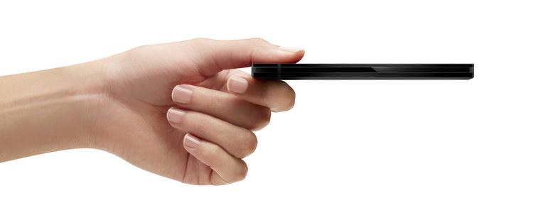 http://www.3dnews.ru/_imgdata/img/2011/12/29/622180/Seagate_GoFlex_Slim_hand_hi.jpg