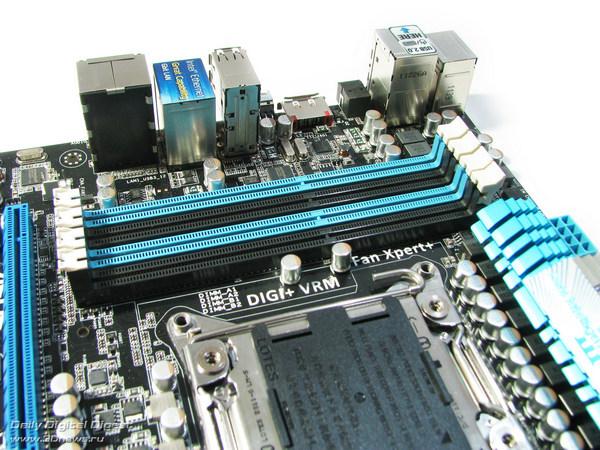 ASUS P9X79  DIMMs