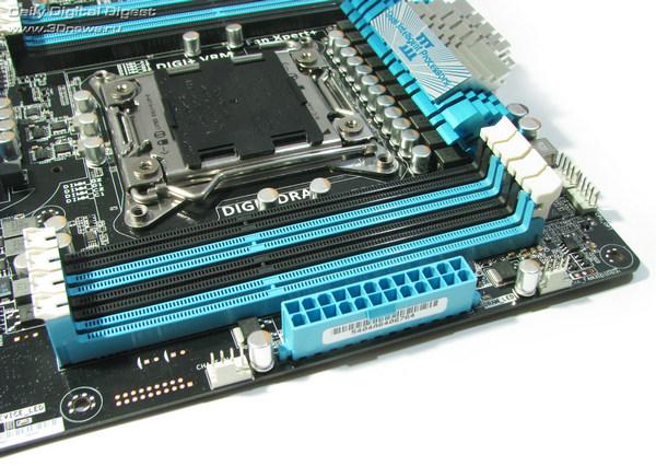 ASUS P9X79  DIMMs 2