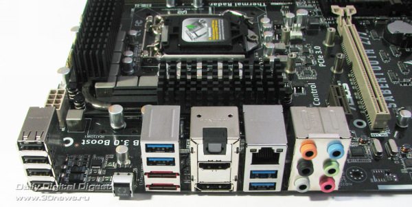 ASUS Sabertooth Z77 задняя панель