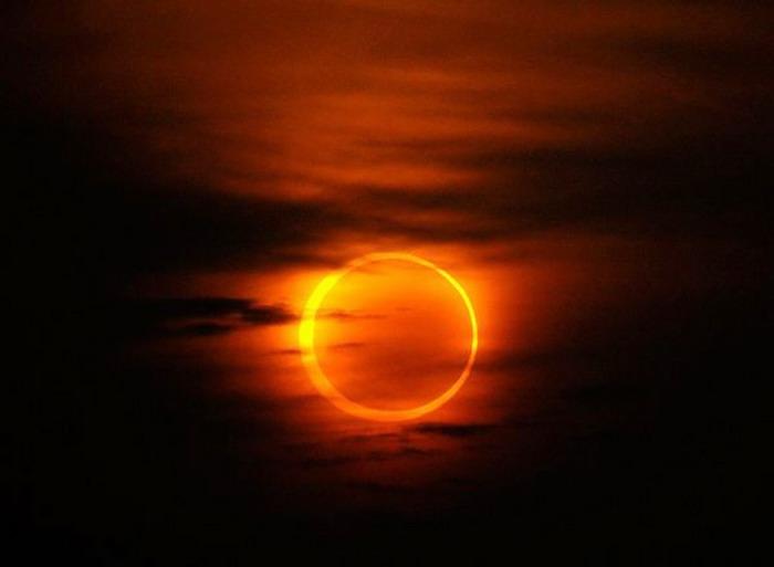 Кольцевое солнечное затмение 2016