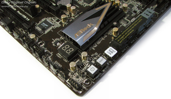 ASRock Z77 Extreme6 кнопки