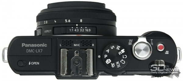 Panasonic Lumix DMC-LX7 — вид сверху