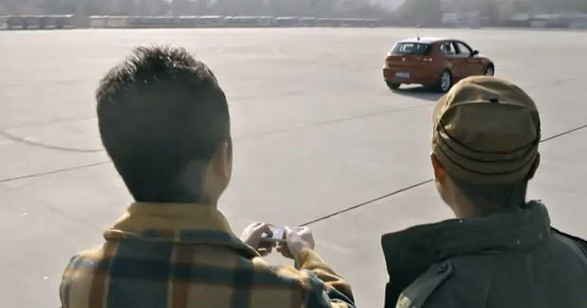 ...уже думают о будущем и хотят создать управляемый с телефона самолет.