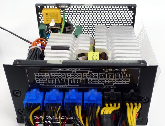 Модульный блок питания SilverStone Strider Plus 750W.