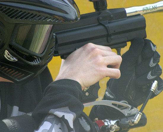 Армия США проявляет интерес к пейнтбольным ружьям и боеприпасам, только использоваться они будут не для...
