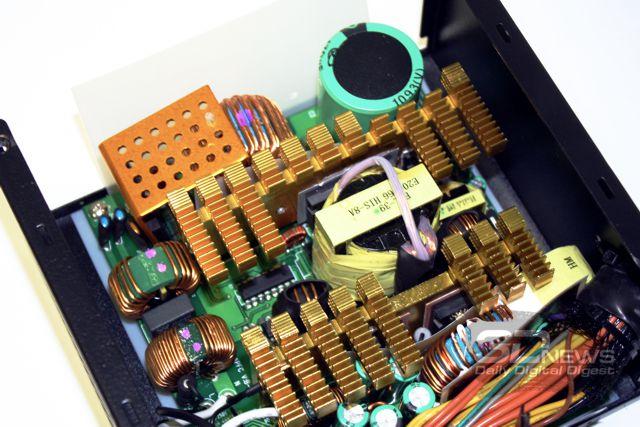 "Блок питания HIPER M800: без  ""шашечек "" ."