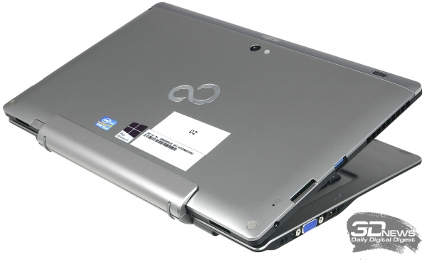 Fujitsu Stylistic Q702, three-quarter view &quot;height =&quot; 365 &quot;width =&quot; 600 &quot;/&gt; </a> </div> <p> The manufacturer managed to create a tablet with a thickness of 12.7 mm &#8211; only 4 mm larger than that of the &quot;atomic&quot; <a href=