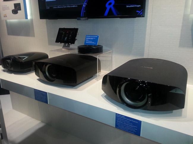 Sony-VPLVW600ES-show.jpg
