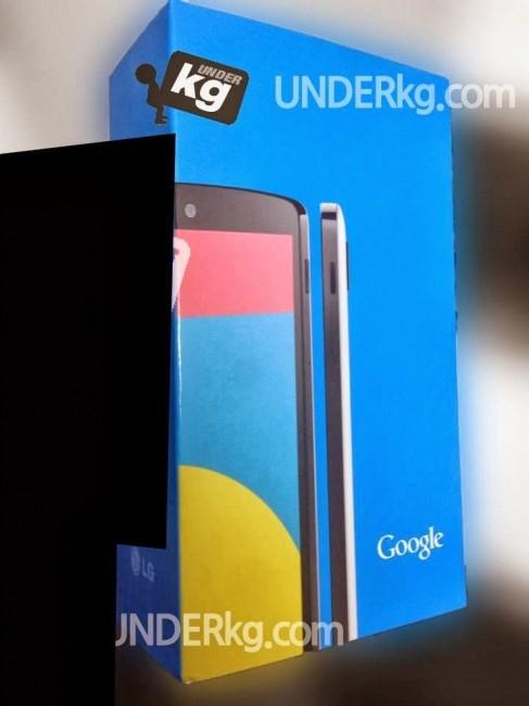 Пресс-фото белой версии смартфона Nexus 5