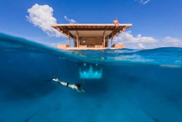 Manta Resort: плавающий отель с видом на морские глубины