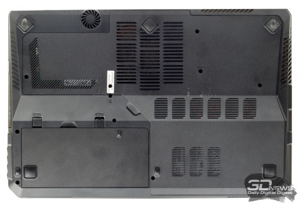 MSI GT60 2PC Dominator: bottom view