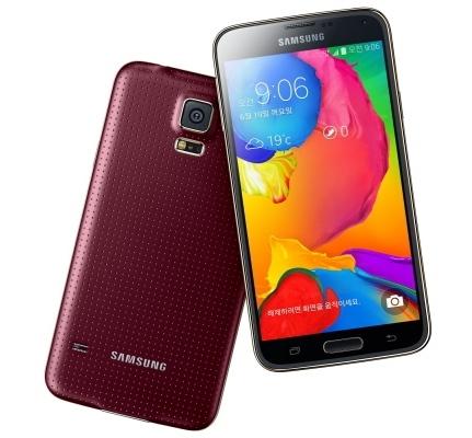 Живое фото Samsung Galaxy F просочилось в Сеть