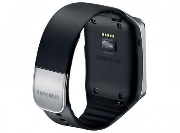 """«Умные» часы Samsung Gear Live начали продаваться в России"""""""