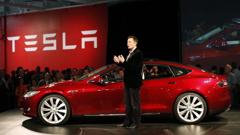 """Аналитика: Apple может попытаться купить Tesla за $75 млрд"""""""