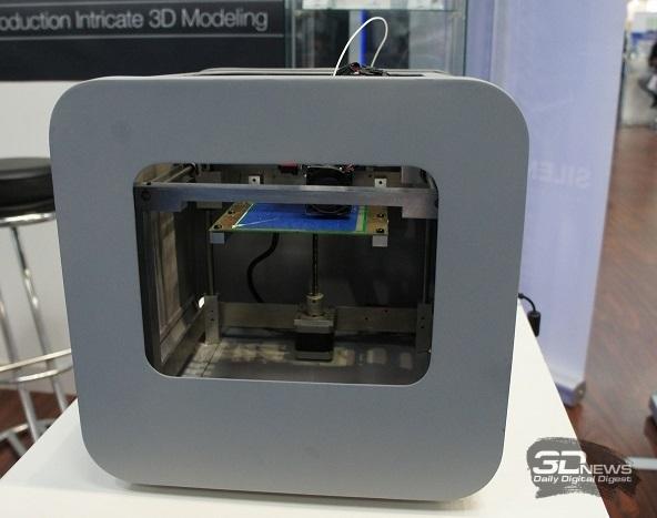 3D-принтер inno3D. Вид сбоку