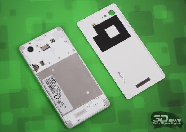 Sony Xperia E3 без задней панели