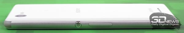 Sony Xperia E3 – правый торец