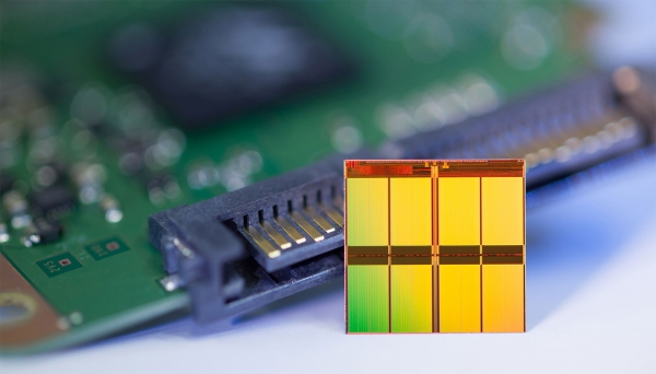 Микросхема NAND флеш-памяти