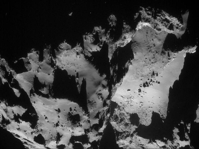 Комета Чурюмова-Герасименко может разделиться
