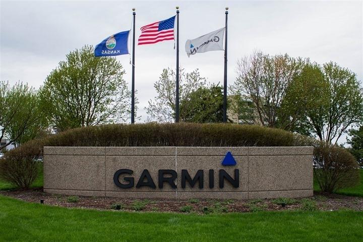 Убыток Garmin от сильного доллара превысил  млн