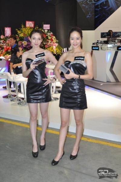 Изделия компании-производителя материнской платы Avexir представляют просто красотки
