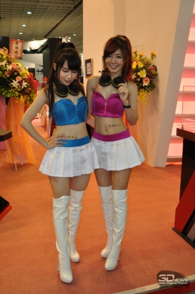 Сотрудницы тайванського поставщика памяти V-Color Technology