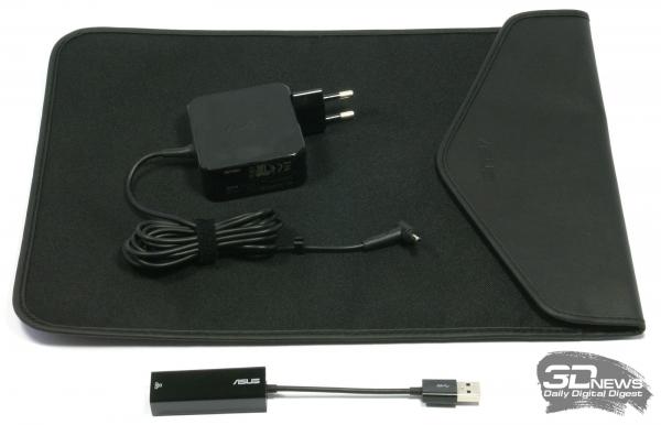 Комплект поставки ASUS Zenbook UX305F
