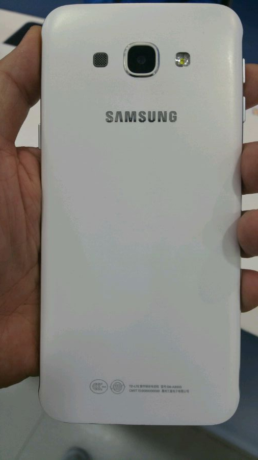 Неанонсированный смартфонSamsung Galaxy A8оказался в руках инсайдеров
