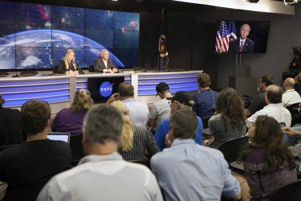 Пресс-конференция NASA по поводу аварии ракеты Falcon 9 и потери корабля Dragon