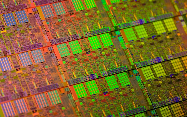 Intel выпустит первые мобильные процессоры Xeon для мощных ноутбуков