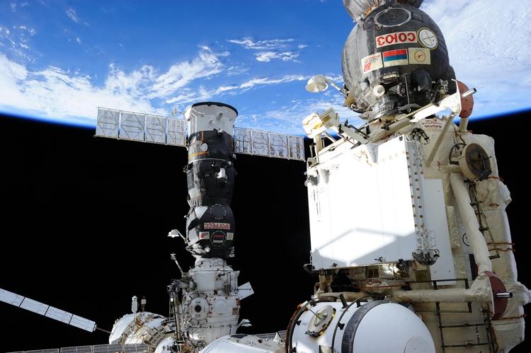 Высадка космонавтов на Луну откладывается
