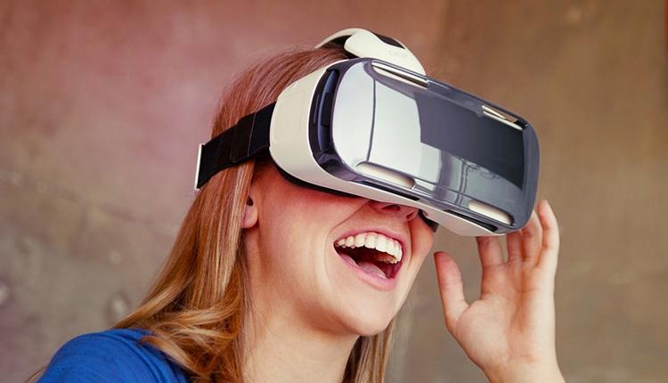 Экспозиция Samsung на IFA 2015 в виртуальной реальности