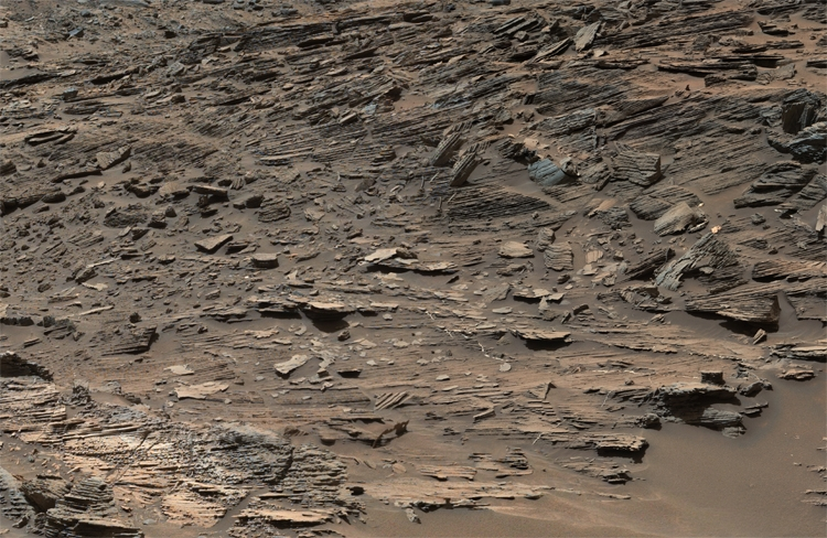 Фото дня: необычные снимки Марса с орбиты и поверхности
