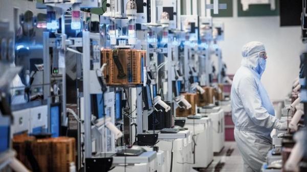 """Intel: Контрактное производство микросхем развивается, у нас есть новые клиенты"""""""