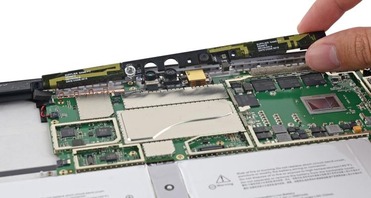 Умельцы iFixit изучили анатомию и оценили ремонтопригодность планшетного компьютера Surface Pro 4, представленногокорпорацией Microsoft
