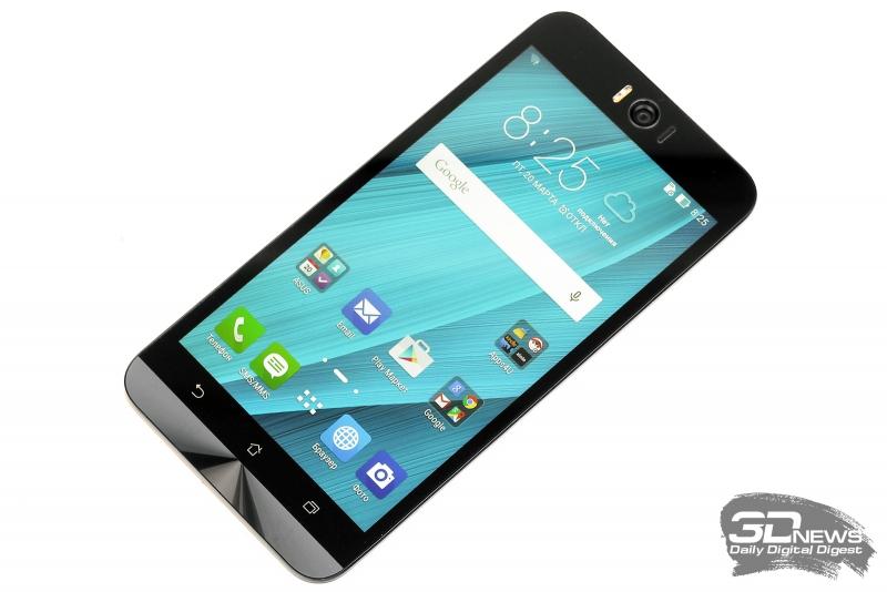ASUS Zenfone Selfie со включенным экраном