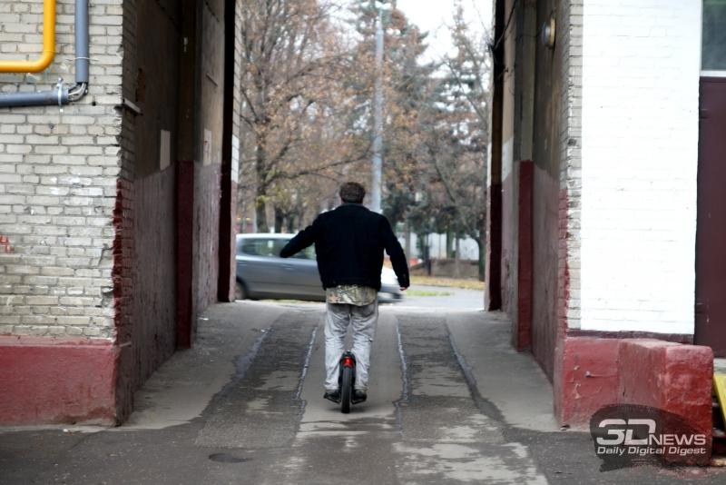 Дмитрий Быков на моноколесе Solowheel Xtreme