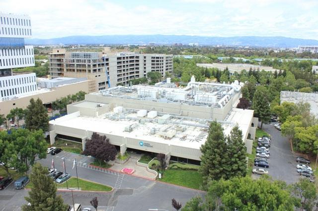 """Apple покупает полупроводниковый завод в Калифорнии"""""""