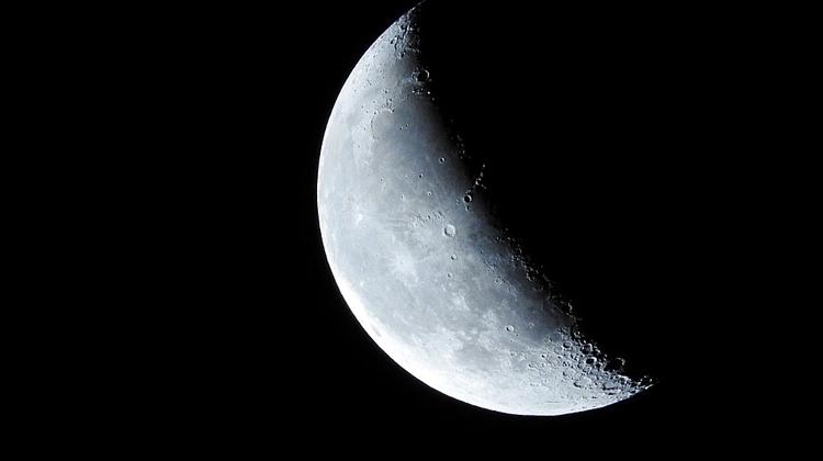 Россия до 2025 года планирует создание пяти лунных аппаратов