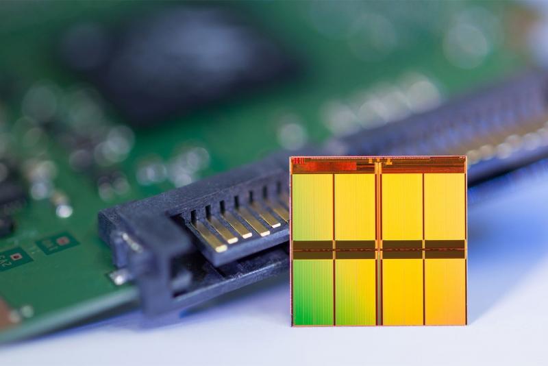 Чип MLC NAND компании Micron