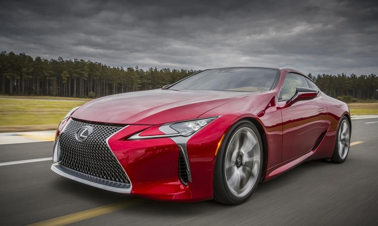 Спортивное купе Lexus LC 500 получило атмосферный двигатель V8