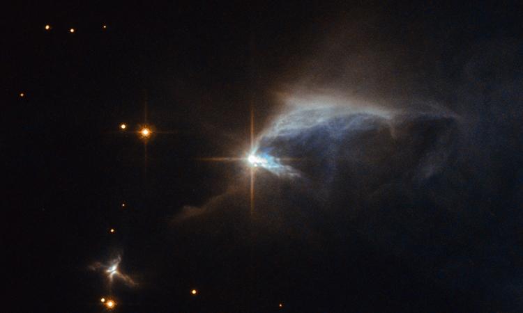Фото дня: звёздный «бриллиант» в пыли