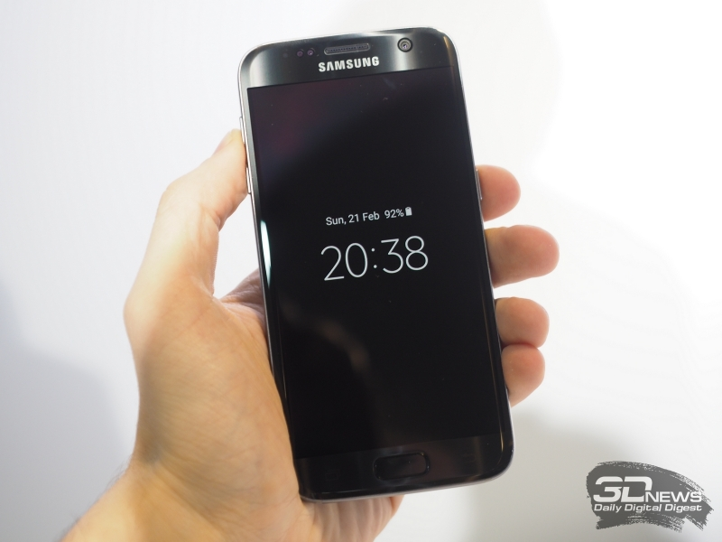 Samsung Galaxy S7 edge в черном корпусе