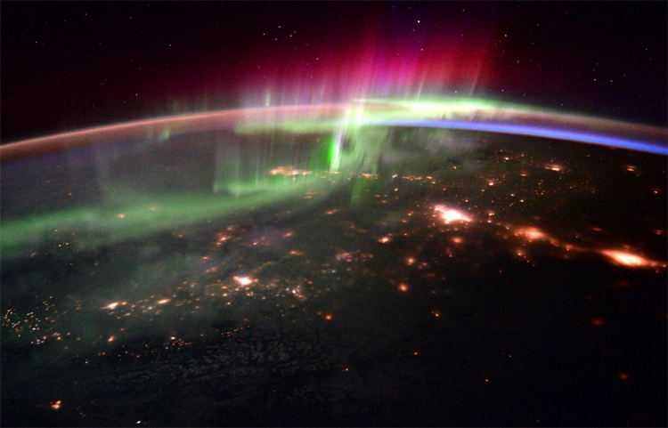 Фото дня: десять удивительных снимков с борта МКС