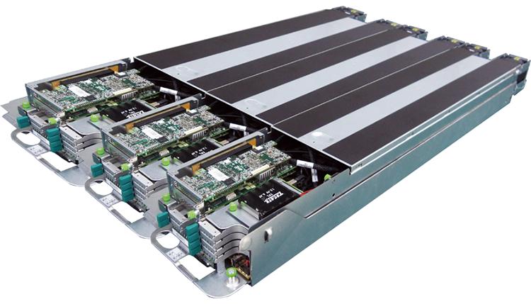 А так — стандартное шасси с тремя установленными серверами OCP 2U