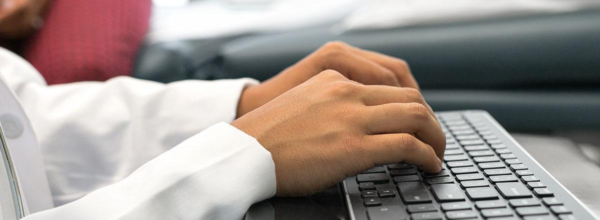 Директоров госкомпаний предложили поощрять за покупку отечественных IT-товаров